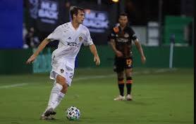 defender soccer